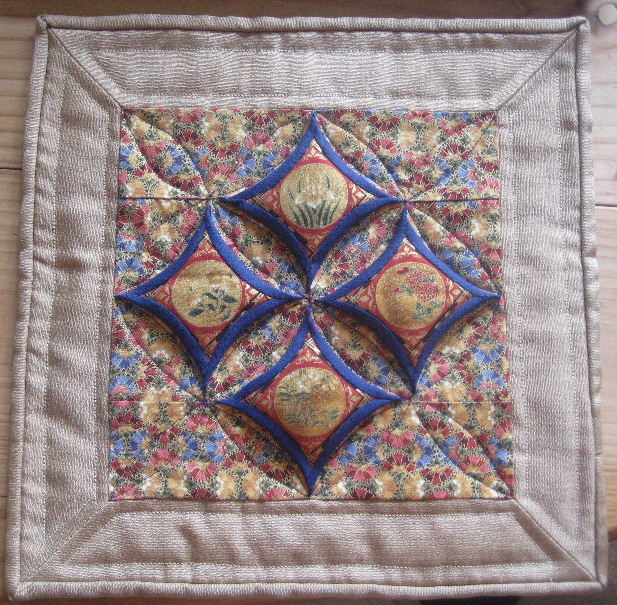 Cathedral window quilt cushion journey with oliven for Window quilt