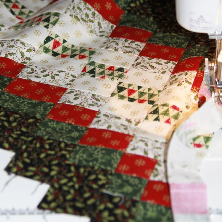 Waving table runner