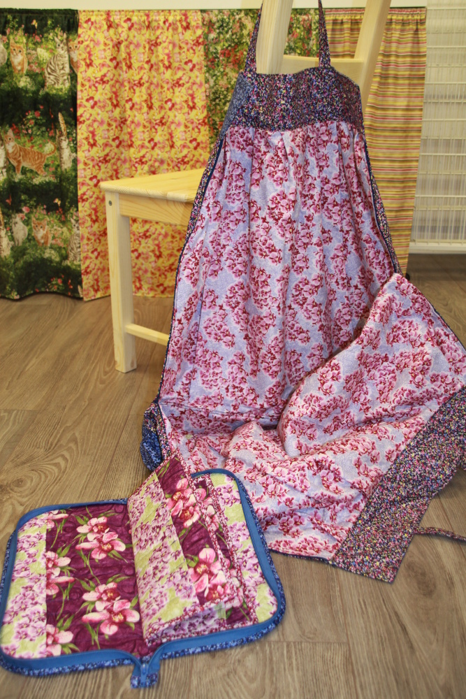 Lace making bag bobbin pocket